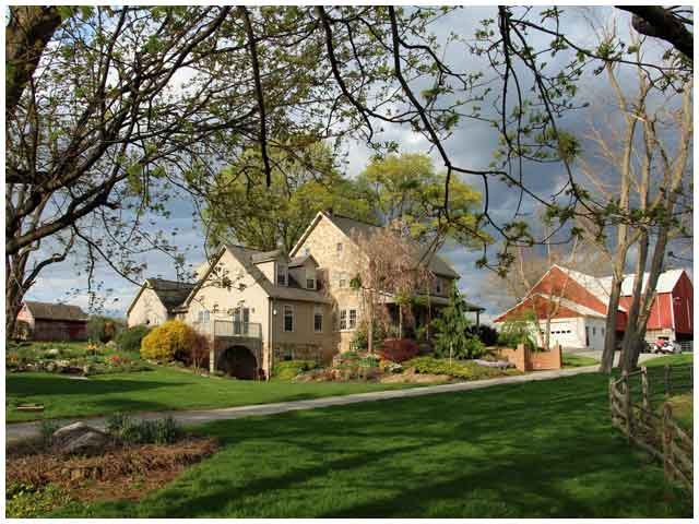 Lancaster Farm Bed and Breakfast, Mennonite and Amish bed and breakfast